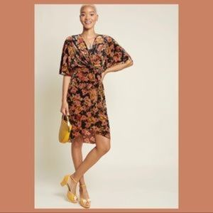Modcloth Dramatic Depths Velvet Floral Dress Large